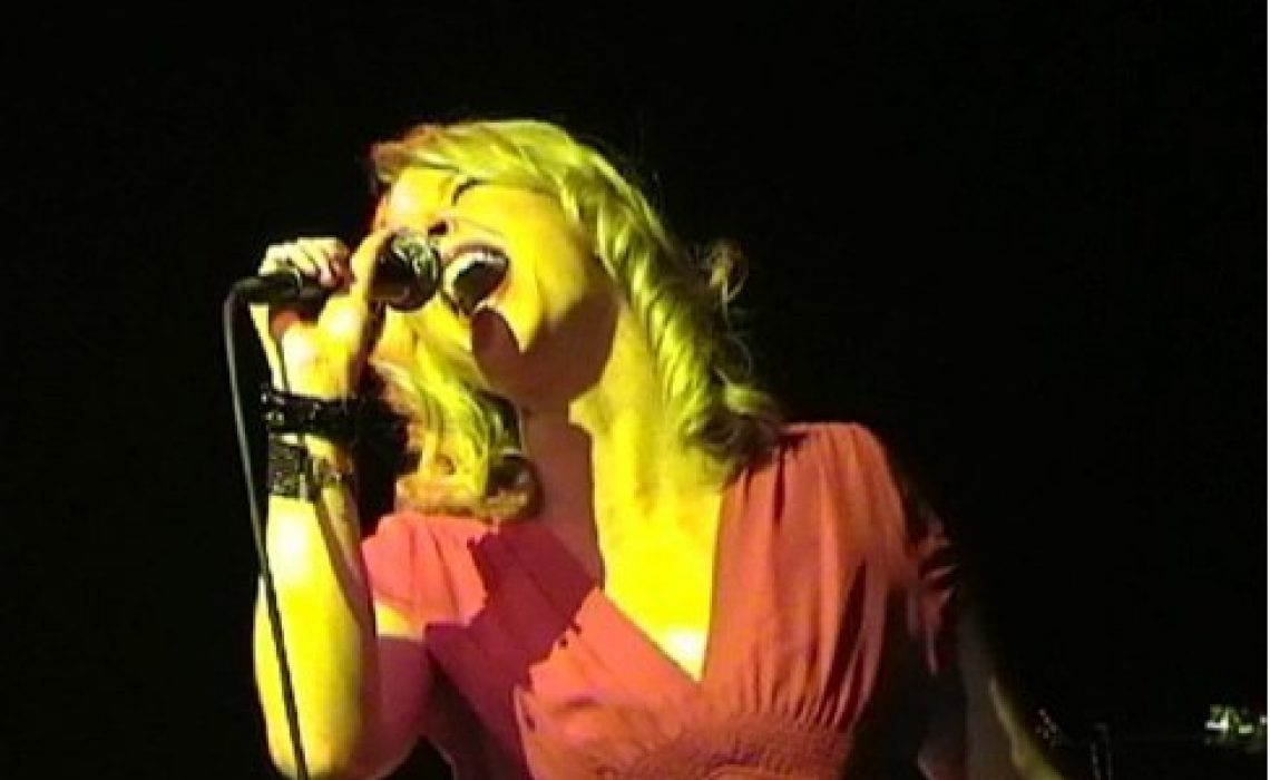 Victoria Bourne vocalist